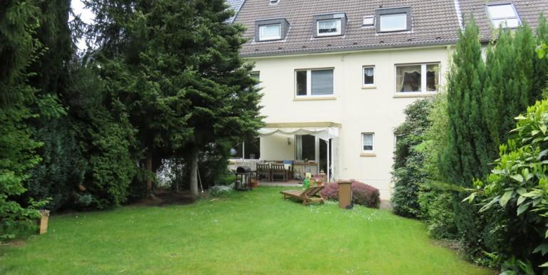3240-Mehrfamilienhaus-Essen-Bergerhausen_01
